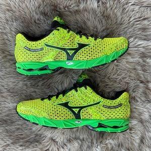 Mizuno wave precision 13 neon green running 10